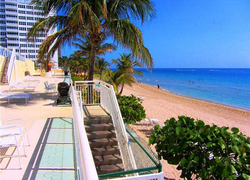 Beach views from a Fort Lauderdale oceanfront condo for sale in Playa del Mar