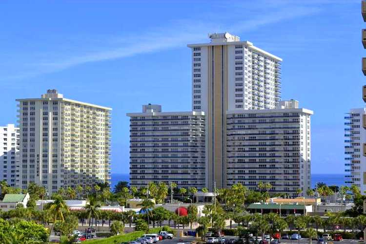 View of Playa del Sol condominium Fort Lauderdale