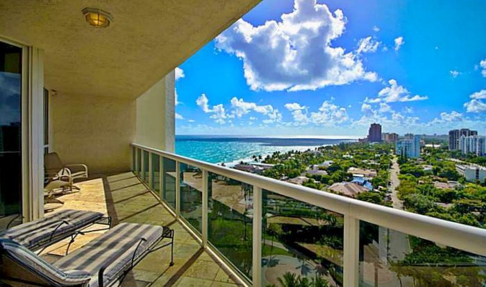 View Fort Lauderdale luxury condo in L'Hermitage