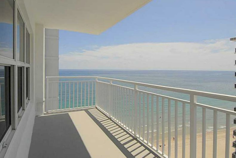 Ocean views Fort Lauderdale condo for sale in Regency Tower South