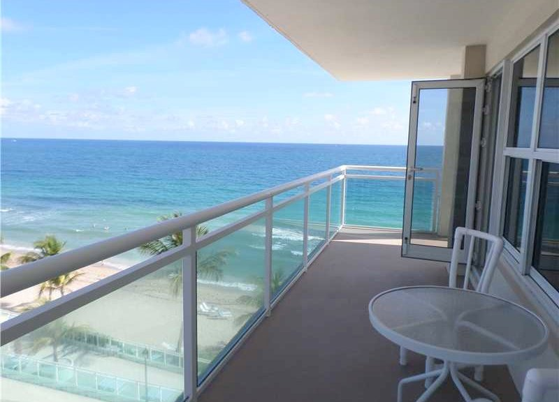 View of a Fort Lauderdale condo for sale here in Playa del Mar