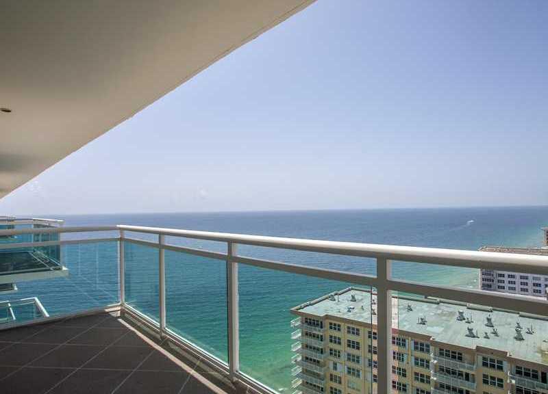 ViewsFort Lauderdale oceanfront condo for sale in Playa del Mar