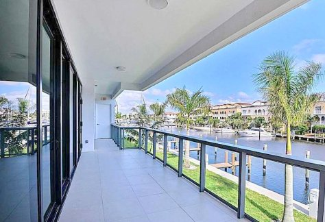 View luxury Fort Lauderdale waterfront condo for sale in Aquavita