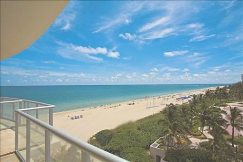 Views oceanfront condo for sale in Coconut Grove