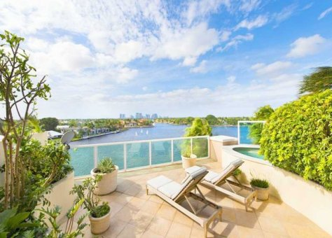 Superb Intracoastal views from a luxury condo for sale in Fort Lauderdale