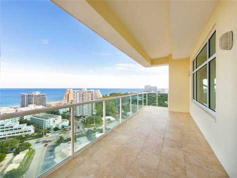 View from a Fort Lauderdale condo for sale in Harbourage Place