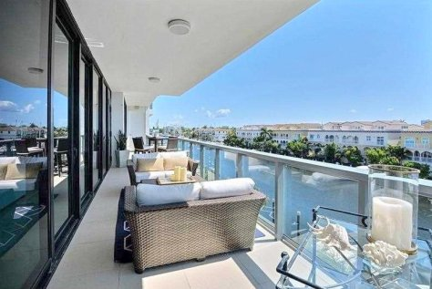 Waterfront views from a Fort Lauderdale condo for sale