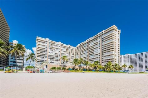 View Plaza East condominium - 4300 N Ocean Blvd, Fort Lauderdale