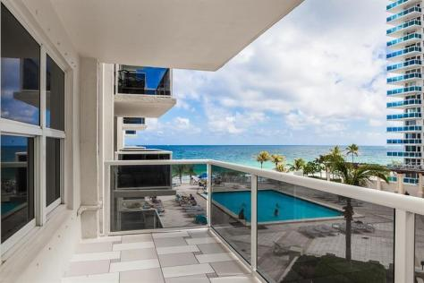 View Galt Ocean Mile condo just listed for sale Playa del Sol Unit 304