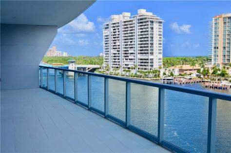View 2 bedroom Fort Lauderdale waterfront condo for sale