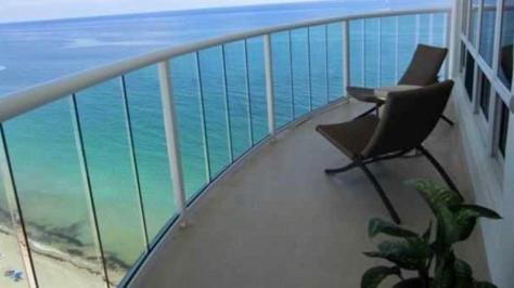 View Galt Ocean Mile condo pending sale Southpoint 3400-3410 Galt Ocean Drive