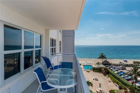 View Galt Ocean Mile condo pending sale Regency Tower South 3750 Galt Ocean Drive Fort Lauderdale - Unit 505