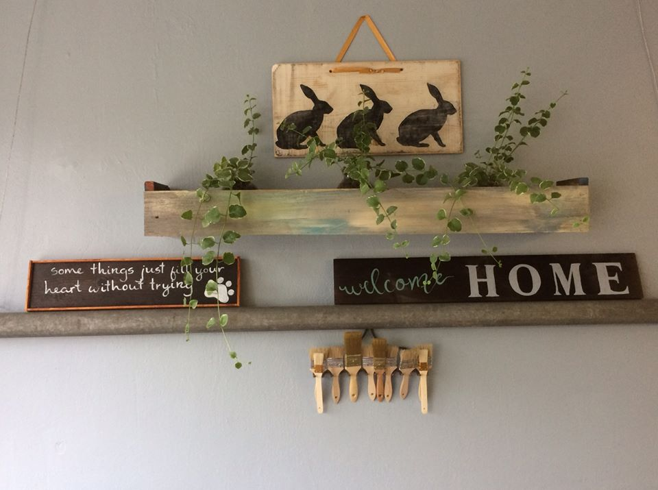 New Boutique Offers Custom Wooden Signs & DIY Workshops