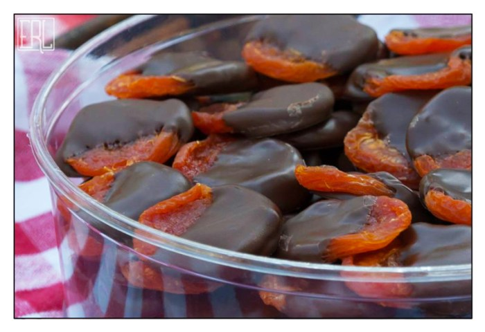 Chocolate-dipped dried apricots