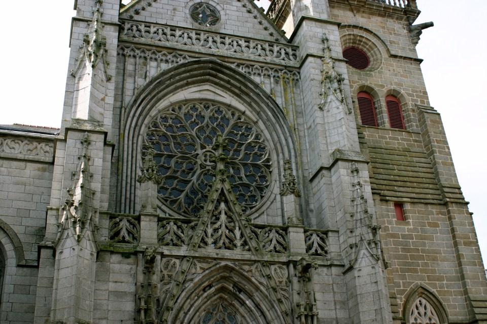 Cathedral du Saint-Leonardo: Fougeres.
