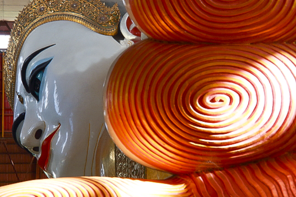 Valery - Chauk Htat Gyi Pagoda in Yangon