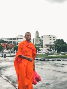 Respectfully Visit Buddhist Temples