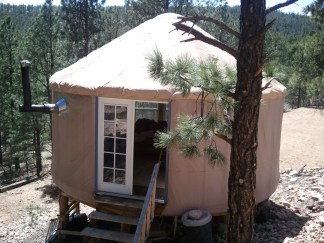 Tan yurt