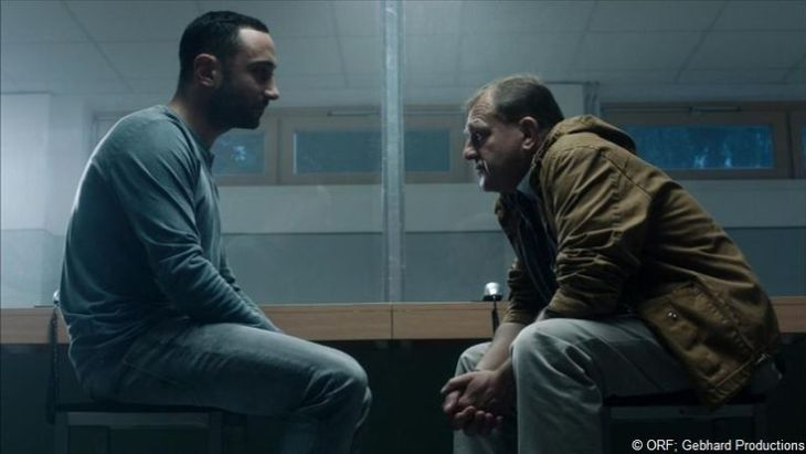 Eine unerwartete Allianz: (Deniz Cooper) und Eberts (Martin Zauner).