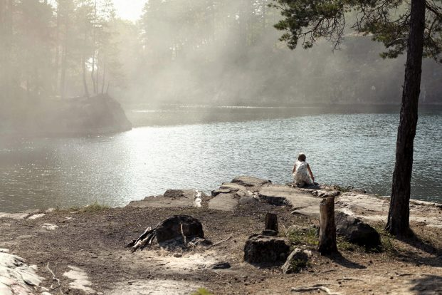 Vor sieben Jahren verschwand die kleine Josefine (Amie Vestholm) spurlos an einem See...