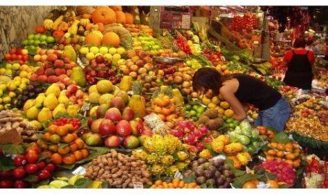 ACUERDO. Los supermercados lanzarán una gran barata de frutas y verduras.