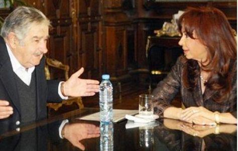 PRESIDENTES. José Mujica y Cristina Fernández.