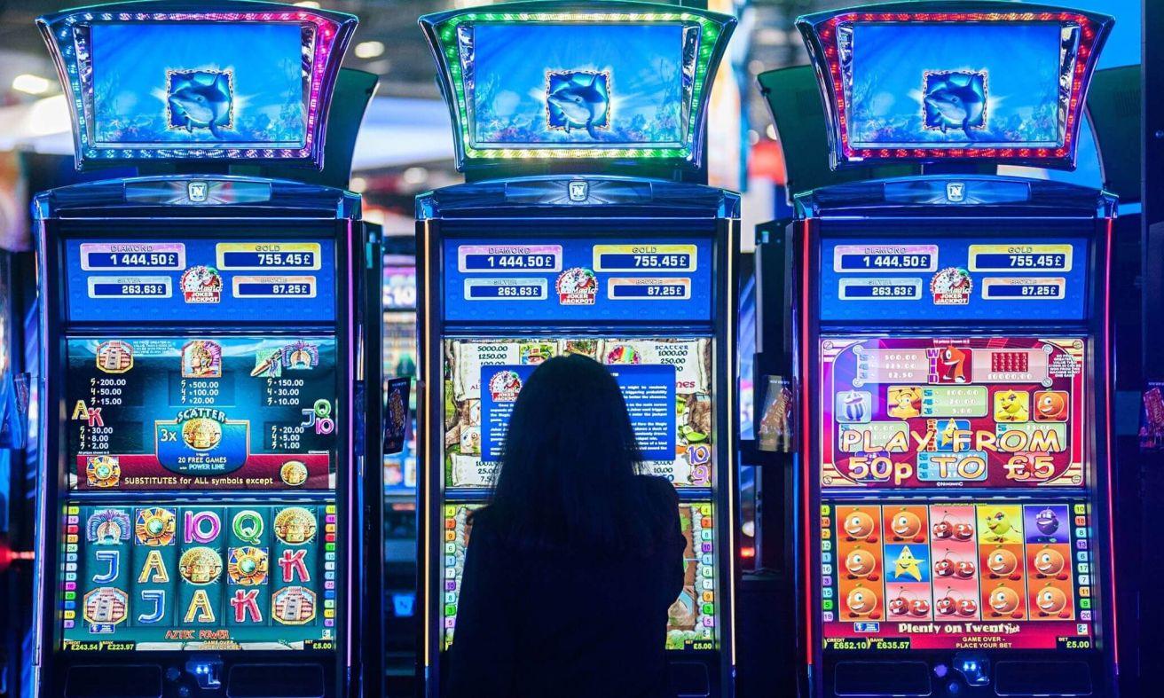 Игровые автоматы веселый роджер играть бесплатно без регистрации покер онлайн скачать java