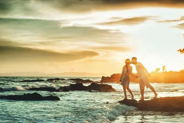 引き寄せの法則で恋愛が驚くほど上手くいく8つの理由