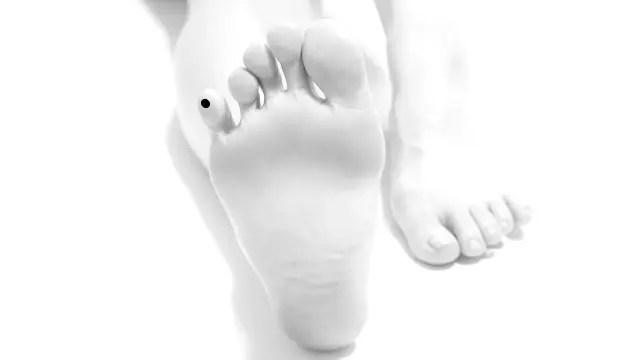 足の小指にあるほくろ