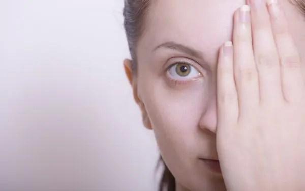 三白眼は性格に難あり?人相学的に注意すべき8のこと