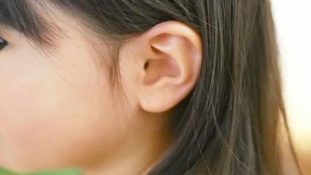 耳のほくろの位置で金運が分かる7のほくろ占い