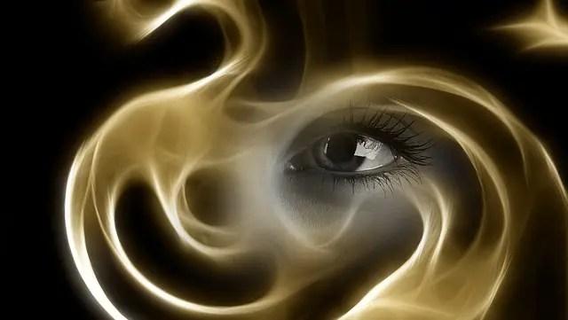 魂 霊 神秘 目 光 霧