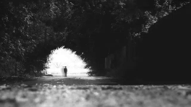 幽霊が原因で起きる耳鳴りの6の特徴