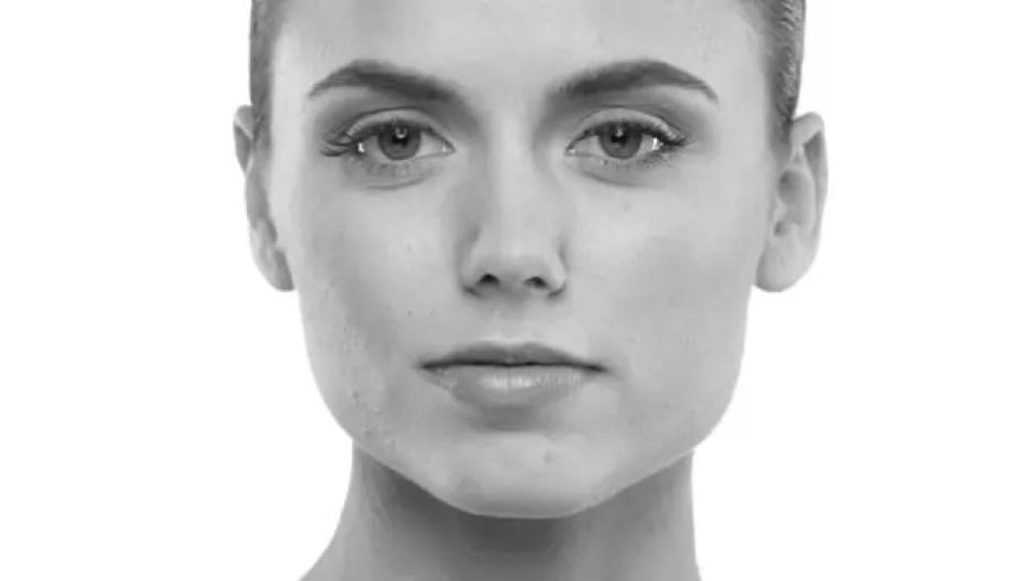 女性の顔 顎