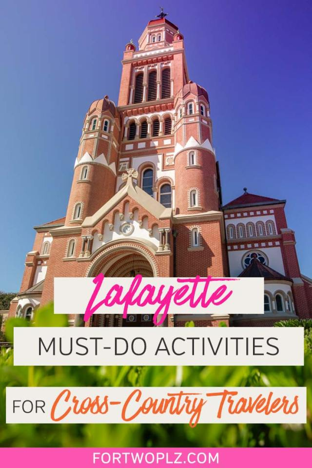 Road tripping across USA? Stop by Lafayette, Louisiana for an unforgettable adventure! The southern USA city is the heart and soul of cajun country, offering tons of fun activities for food lovers and adventure explorers, from cajun food tour to airboat swamp tour to see alligators. Click through to discover best places to eat and top things to do in Lafayette, LA. #explorelouisiana #foodietravel #usaroadtrip