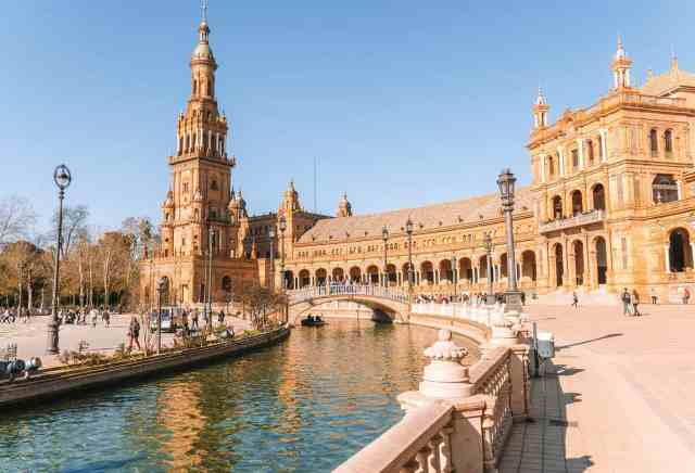 seville must visit places in Spain