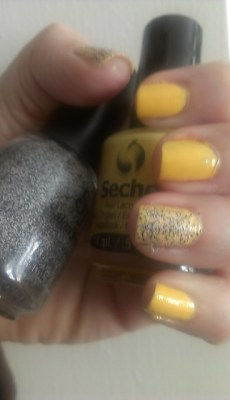 Seche Polish in Perfectly Poised with Salon Perfect topcoat in Loves Me/Loves Me Not