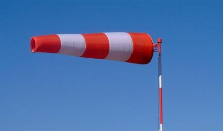 Un con indicador de la força i la direcció del vent