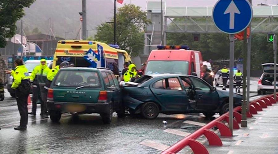 Un accident entre dos vehicles