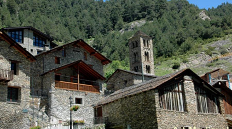 El nucli de Pal amb Sant Climent al centre