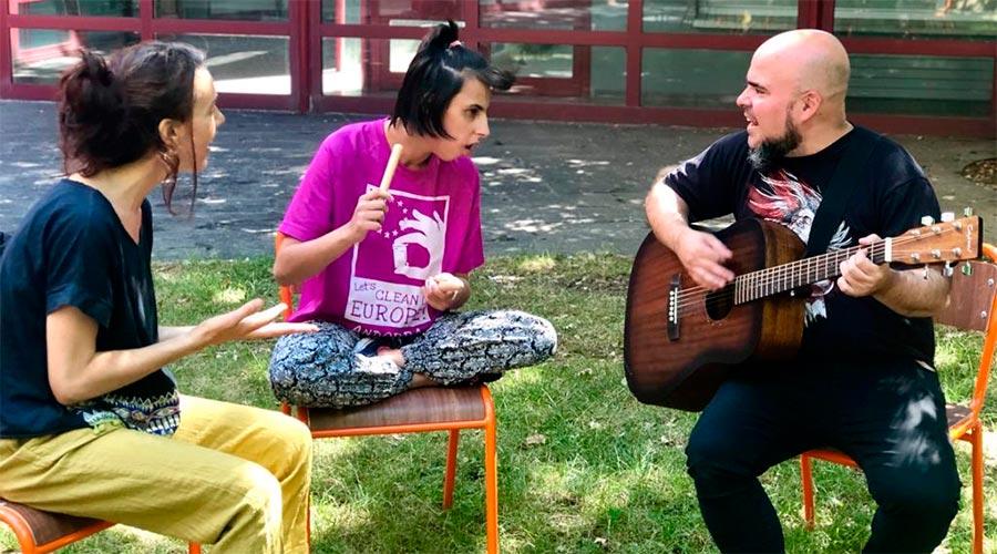 Joan Hernández en un taller de Música i Creativitat