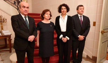 Larrotcha, Rabassa i Jabonero (ambaixada Esp i And a Bèlgica) amb secretari general OEi (Org Estats Iberoamericans)