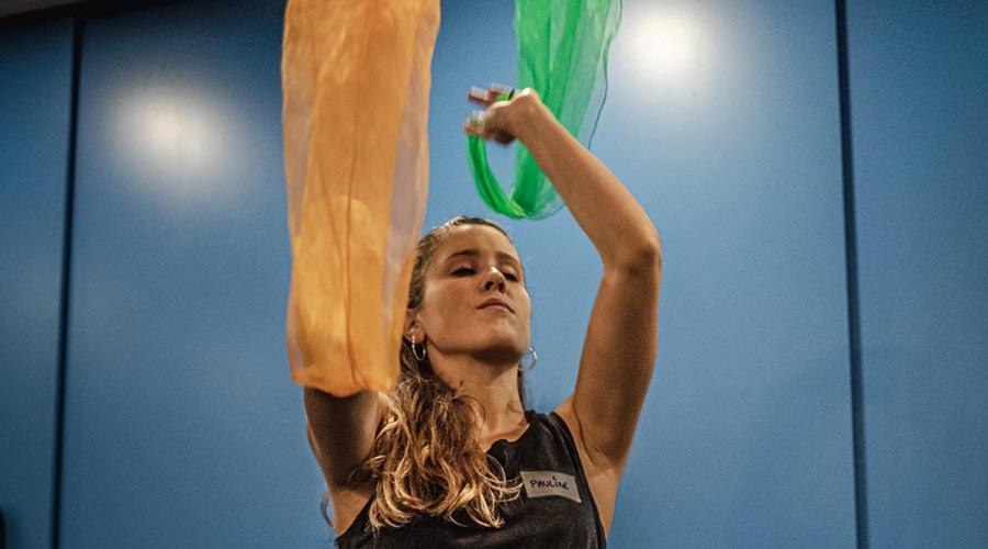 Anna Vega en un taller