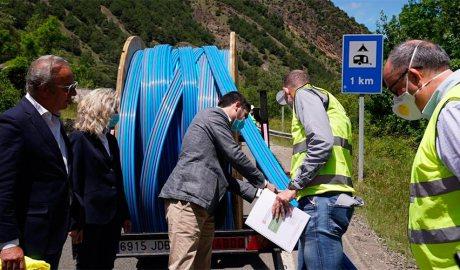 El conseller de la Generalitat de Catalunya Jordi Puigneró visita els treballs de desplegament de la fibra òptica al Pallars Sobirà