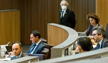 Membres del Govern en una sessió del Consell General