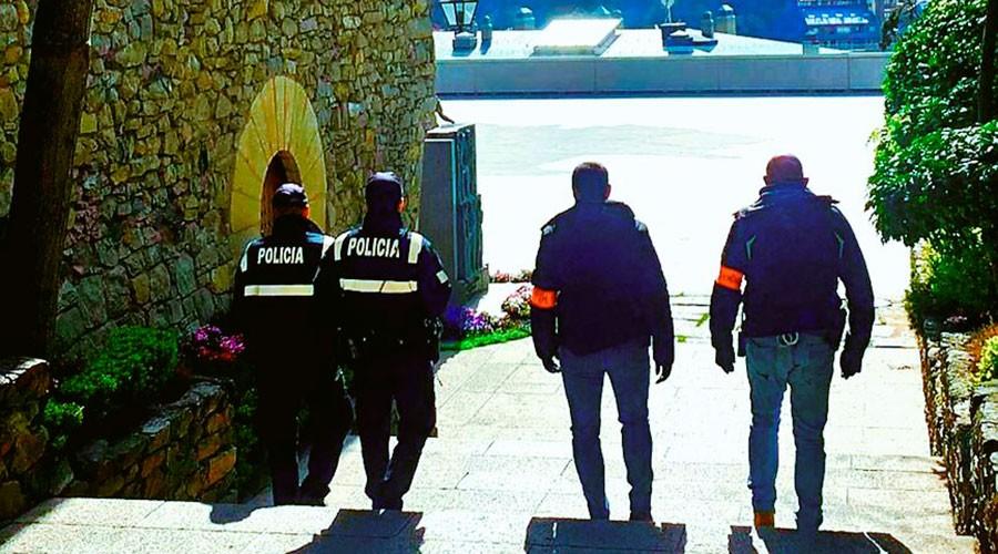 Agents a Casa de la Vall
