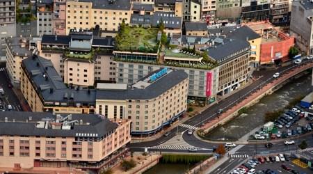 Vista aèria d'alguns hotels ubicats a Andorra la Vella