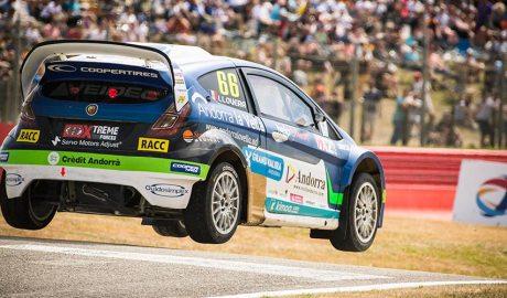 El cotxe d'Albert Llovera en un salt