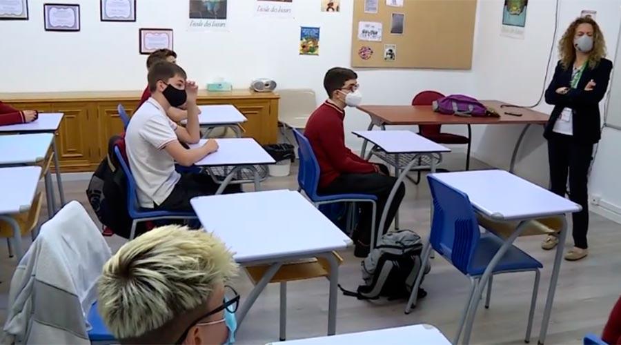 Una aula de l'escola Agora International,