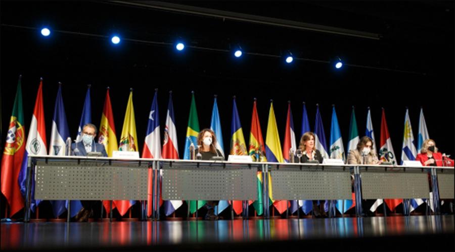 La ministra d'Educació i Ensenyament Superior, Ester Vilarrubla, presidint la XXVII Conferència iberoamericana de Ministres d'Educació.